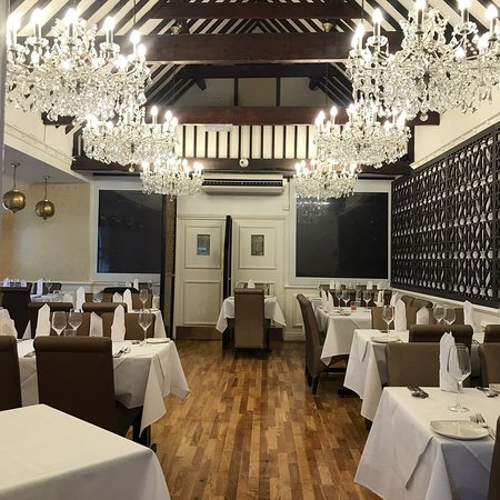 The Bombay Cottage - The Top 10 Indian Restaurants in Lincolnshire - The Yellow Belly